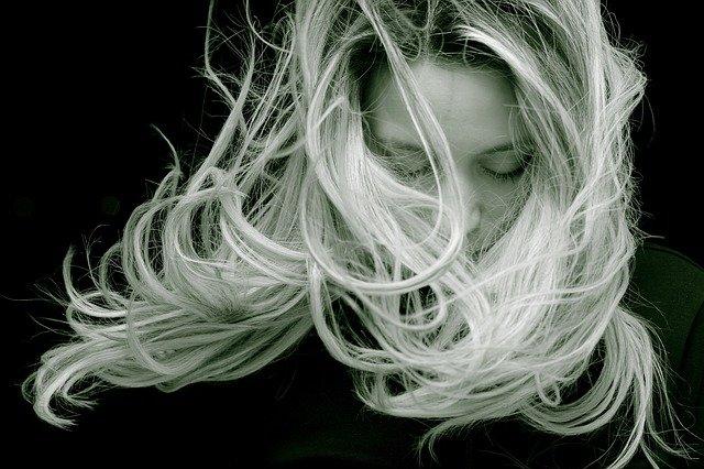 Επέτρεψε στα μαλλιά σου να μακραίνουν